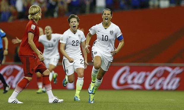 สหรัฐฯอัดสาวอินทรีเหล็ก 2-0 ลิ่วเข้าชิงดำบอลหญิงโลก 2015