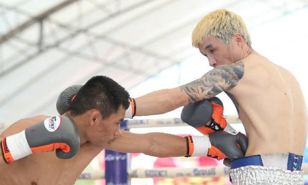 """""""วันเฮง"""" ไล่อัดนักชกโสมใต้ ชนะน็อกยก 9 ป้องแชมป์มวยโลก 105 ปอนด์"""
