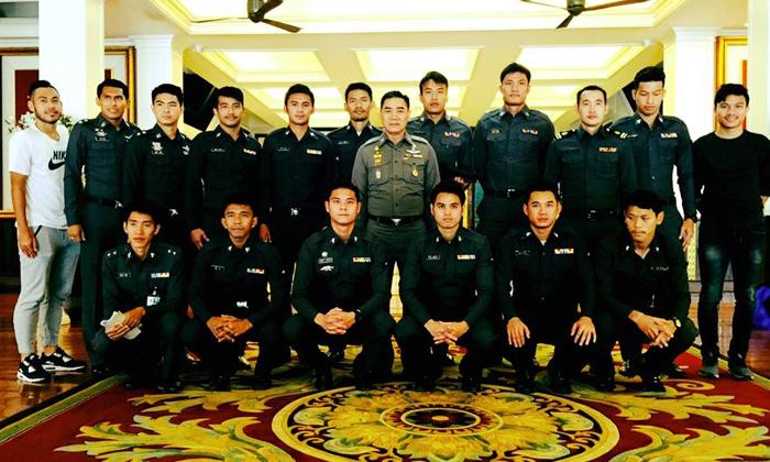 """""""ผบ.ตร."""" ลั่นฟื้นฟูตั้งทีมบอลตำรวจ เรียก 6 แข้ง """"ช้างศึก"""" บู๊กองทัพไทย"""