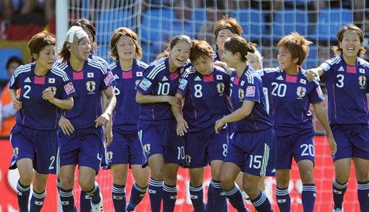 สาวซามูไรฟันสาวกีวีดับ2-1บอลหญิงโลก