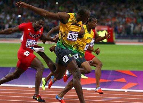 จับแฟนกรีฑาปาขวดน้ำใส่โบลท์ก่อนวิ่ง100ม.