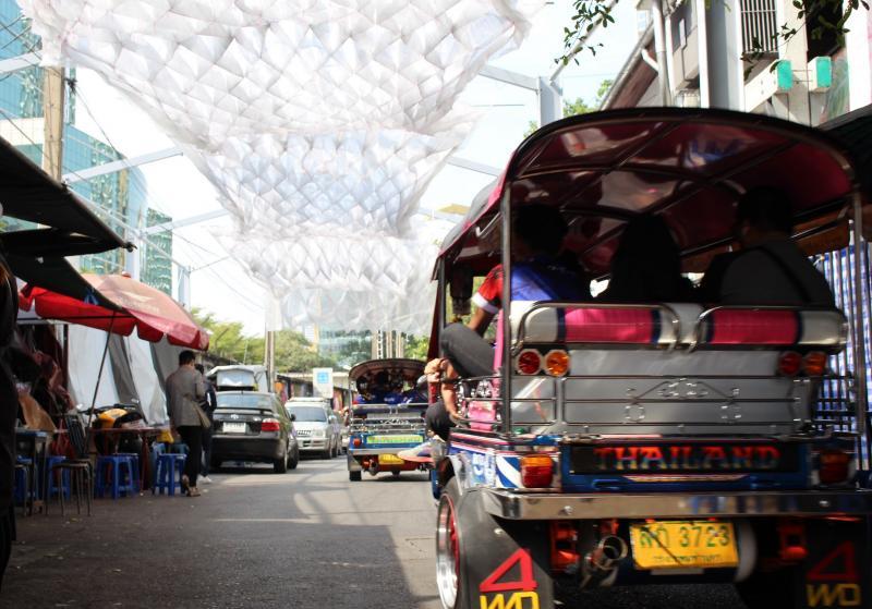 โค้งสุดท้าย Bangkok Design Week 2019 พาชมงานศิลปะและเดินดูไฟยามค่ำคืน